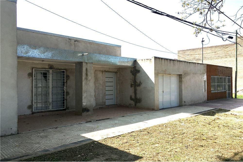 venta casa y local comercial - zona sur