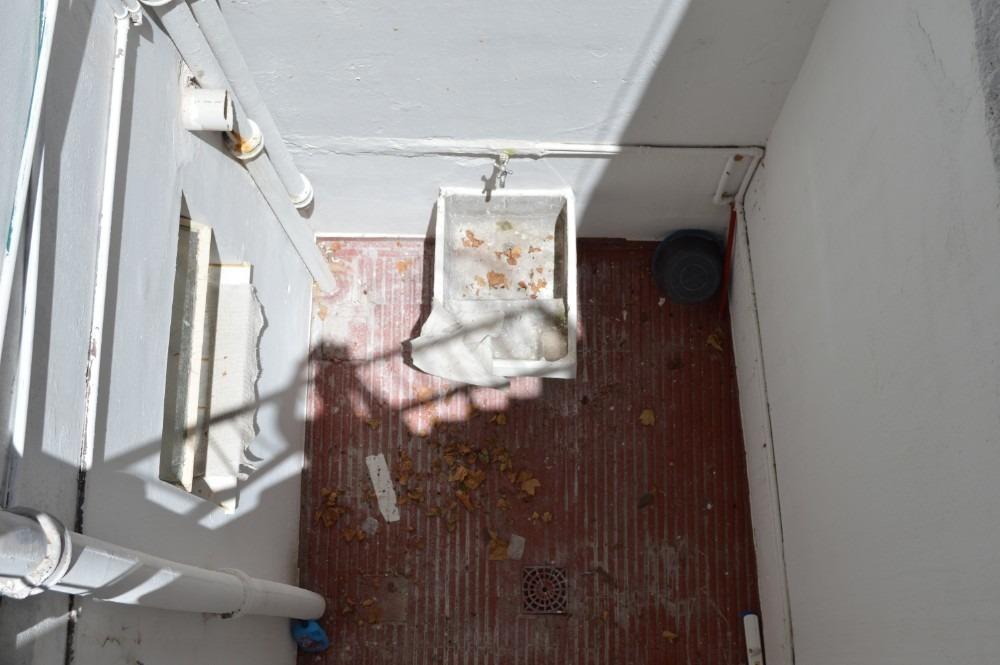 venta casa  zona buceo pb dos dormitorios con patio estivao