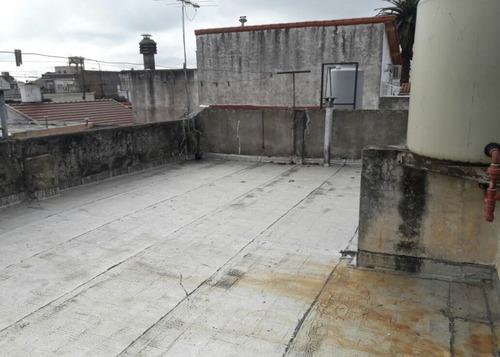 venta - caseros - 2 ambientes con patio/terraza