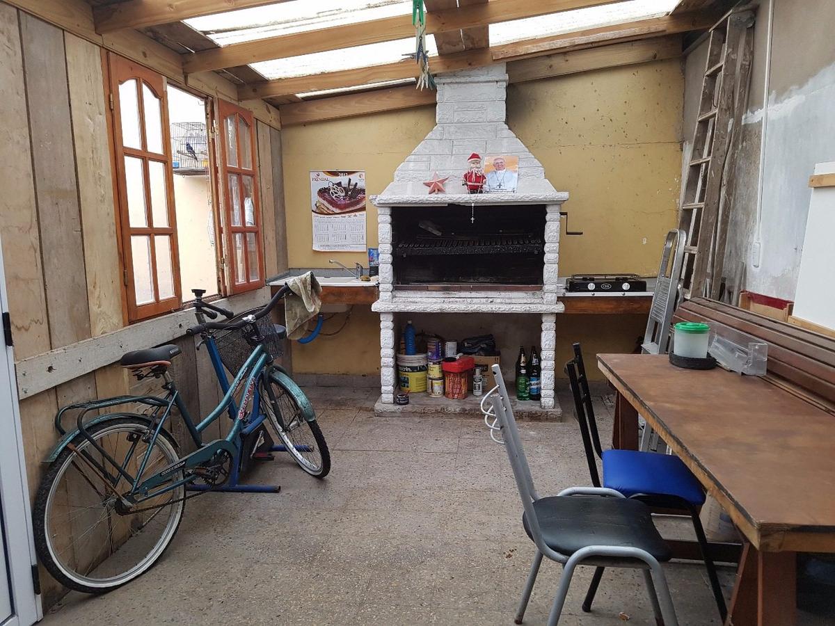 venta chalet 3 ambientes garage quincho y departamento de dos ambientes