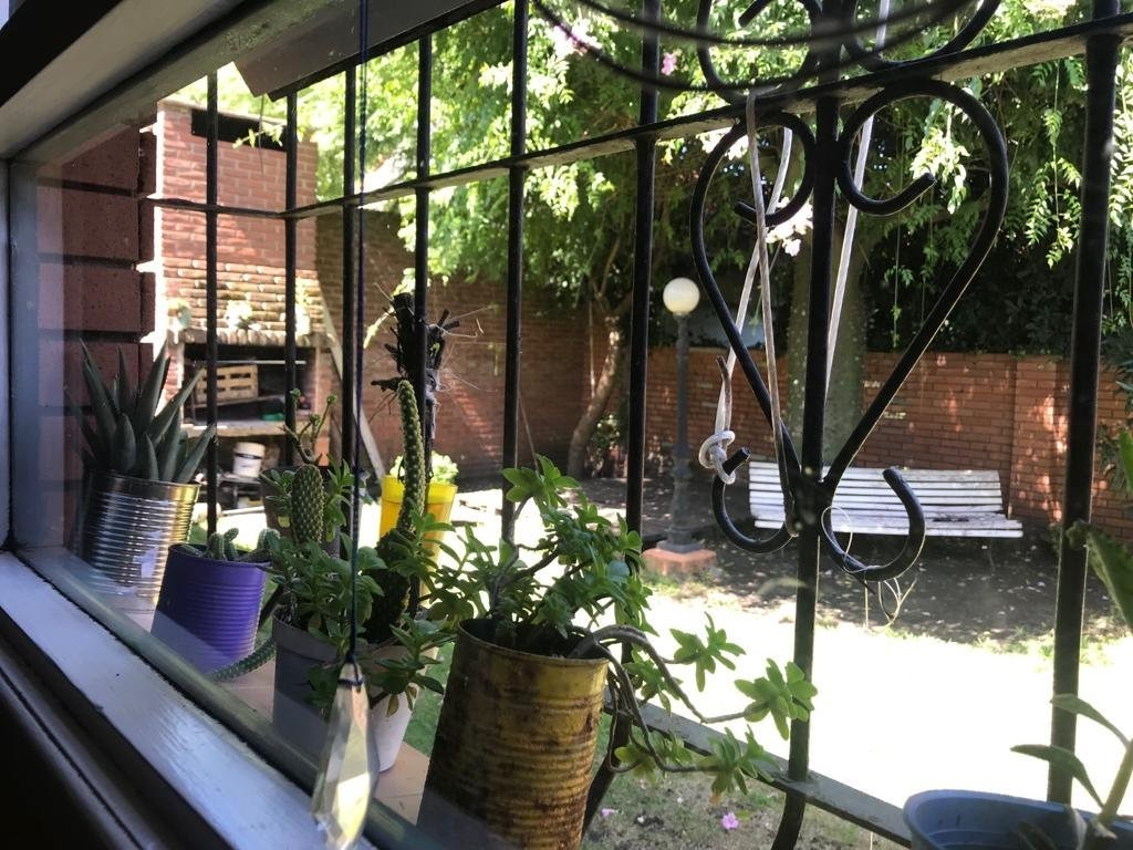 venta chalet 4 amb en constitución con parque - excelente entorno (toma permuta por depto en edificio moderno)