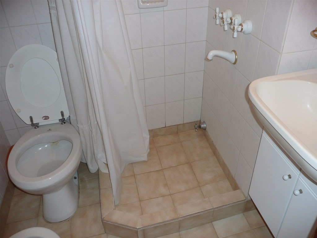 venta chalet 4 dormitorios villa gesell barrio norte