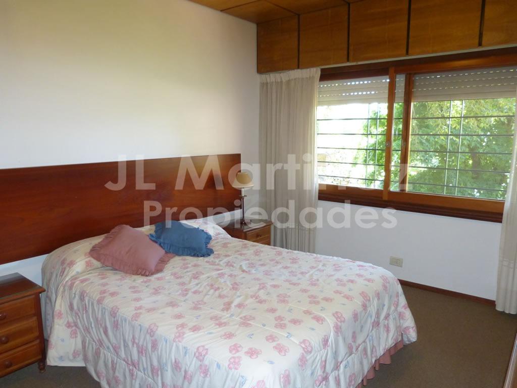 venta chalet 5 dormitorios villa gesell barrio norte