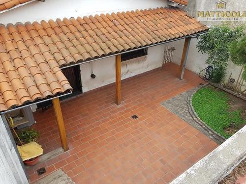 venta chalet sobre lote propio de 8.66 x 27.75 de 5 ambientes en zona agustiniano