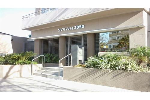 venta cochera cubierta en edificio syrah 2050
