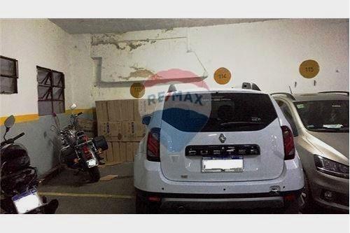 venta cochera cubierta - para 2 autos pequeños