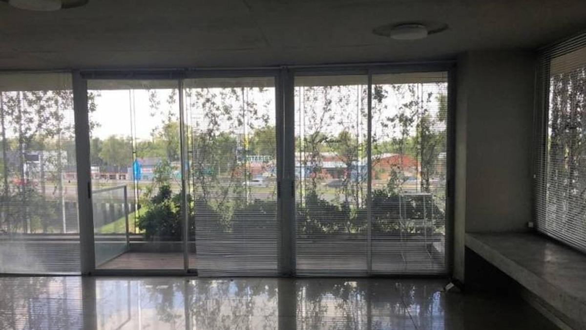 venta con renta  2 oficinas  - panamericana km 50,5 pilar