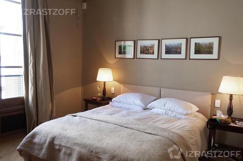 venta con renta: piso francés de categoría y 2 cocheras