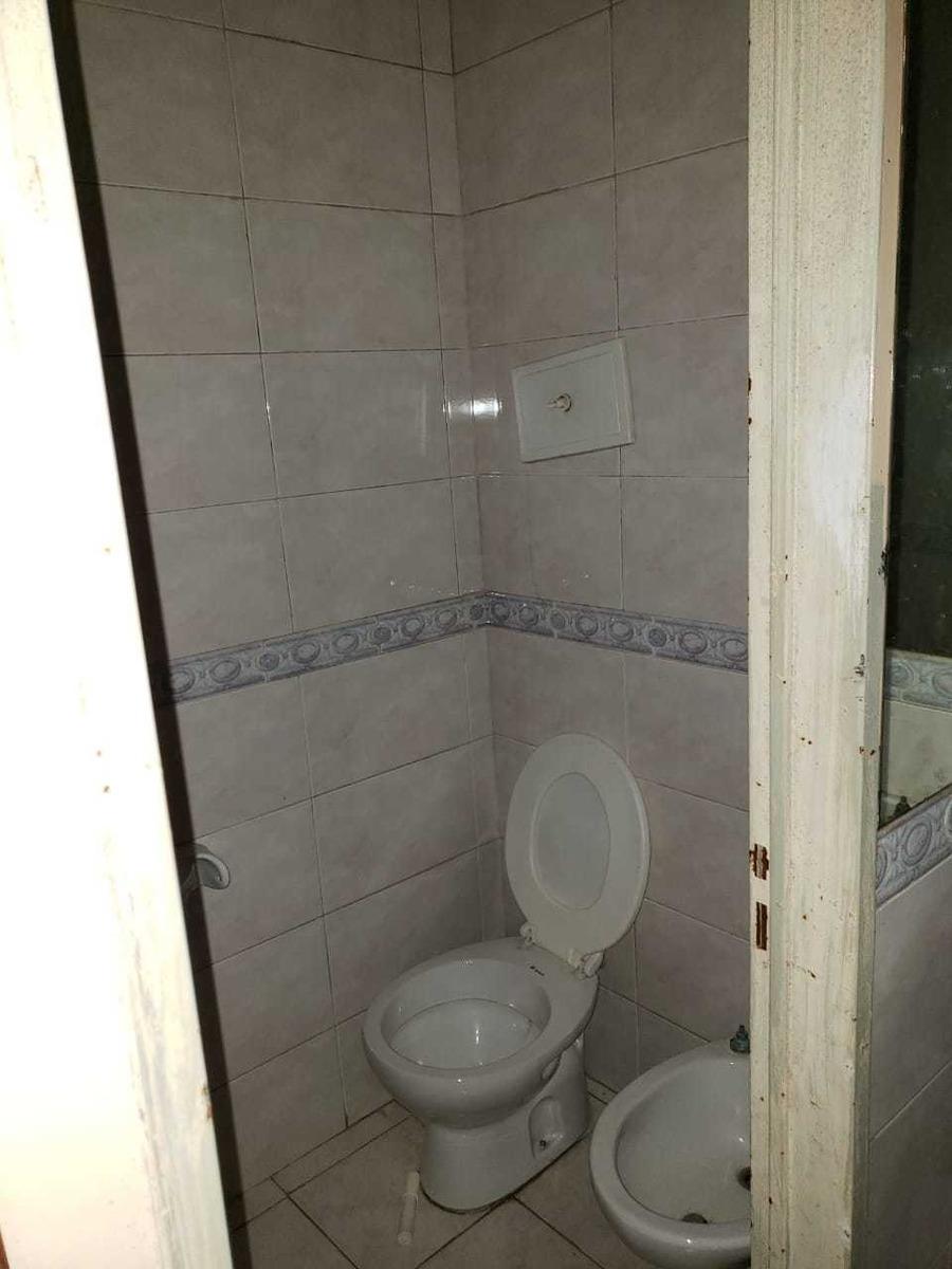 venta  consultorio o hotel  en constitucion 14 hab c/baño