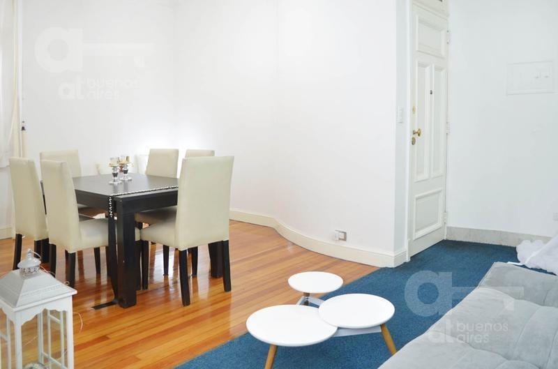 venta de 3 ambientes en san telmo en edificio antiguo de gran categoría