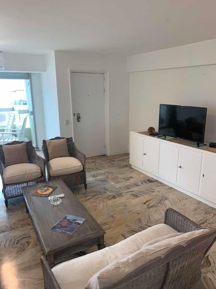 venta de 4 dormitorios c/ gje usd 350 100 mts piso alto
