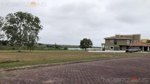 venta de 700 mts de extraordinario terreno en miralta, altamira