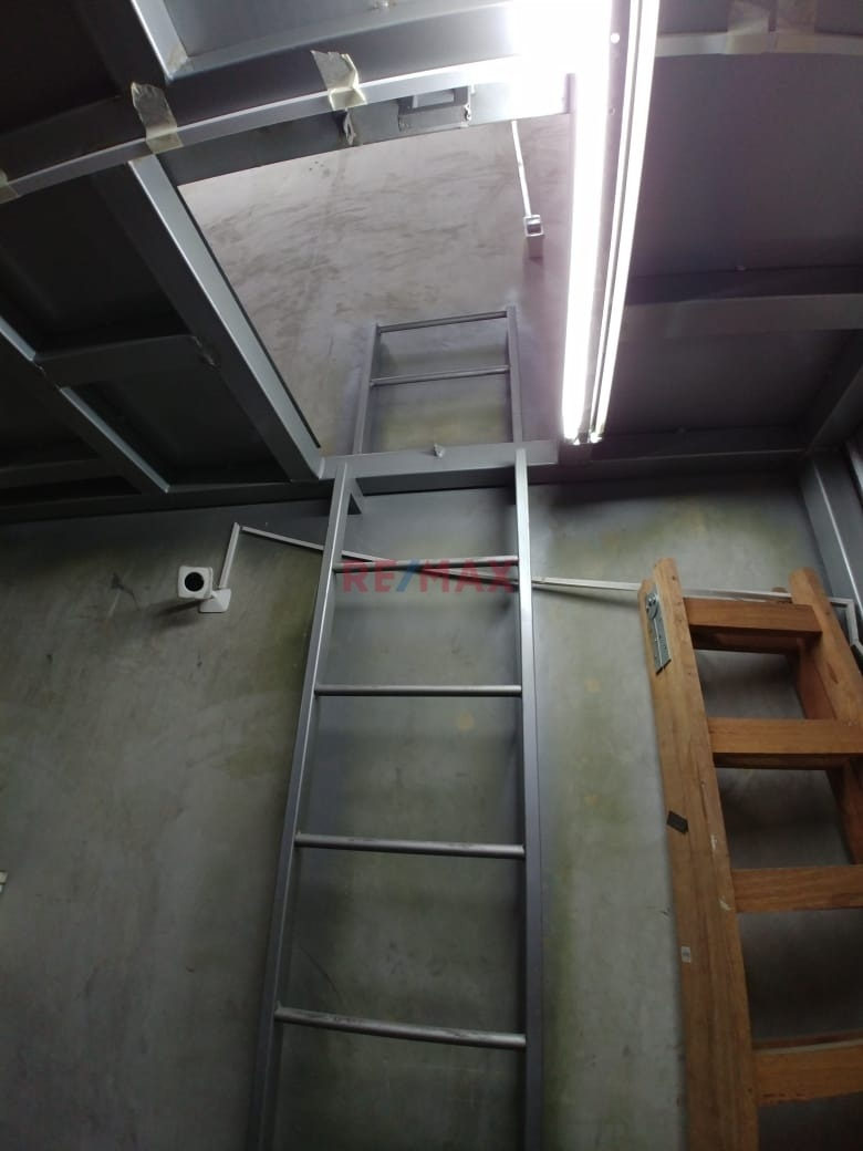 venta de almacen 100% seguro con estructura metalica moderno
