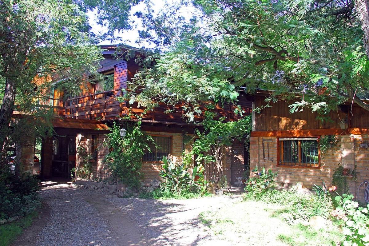 venta de amplia casa en los molles con cabañas oportunidad