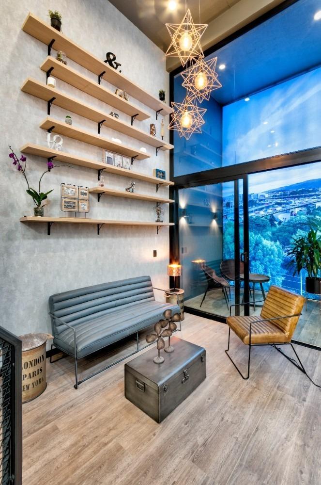 venta de apartaestudio sobre planos séptimo piso.