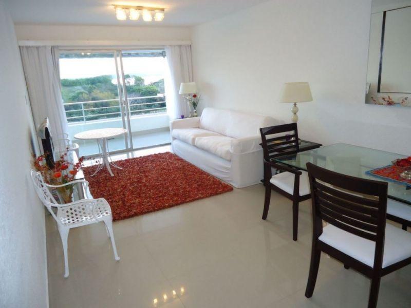 venta de apartamento 3 dormitorios en playa mansa,