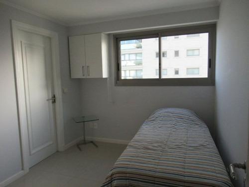venta de apartamento, 3 dormitorios. playa brava