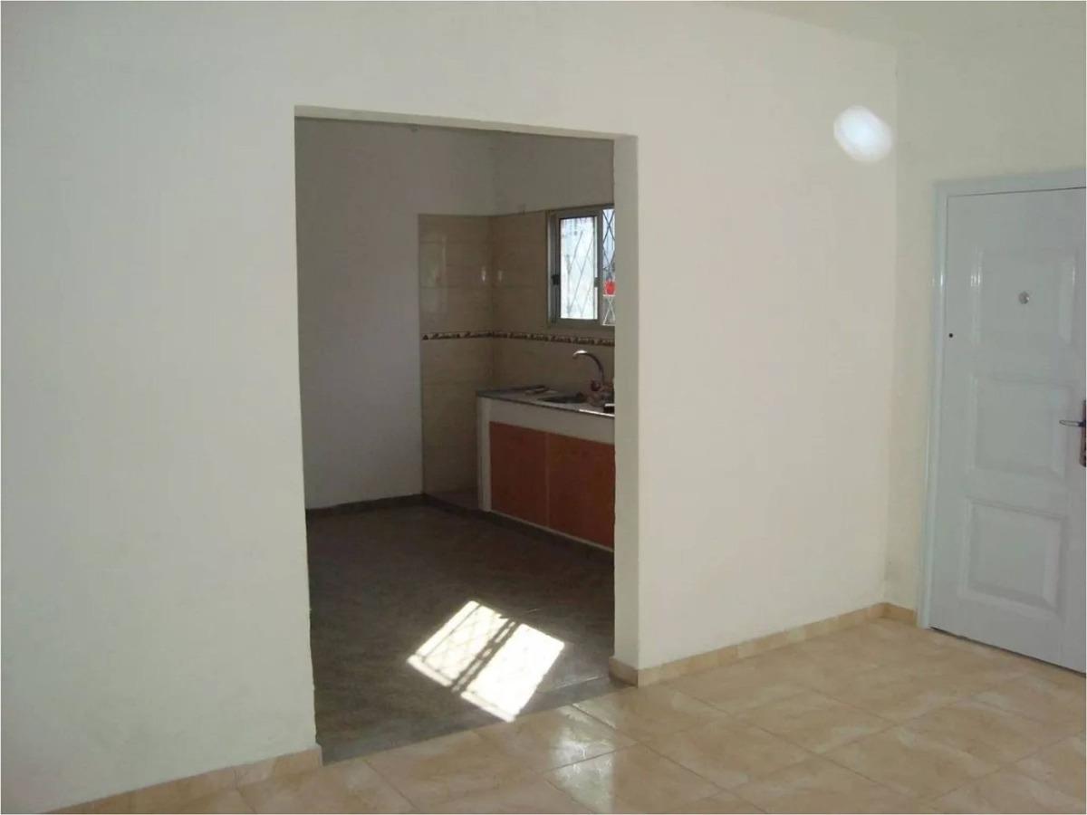 venta de apartamento con renta - camino maldonado - 1 dorm.