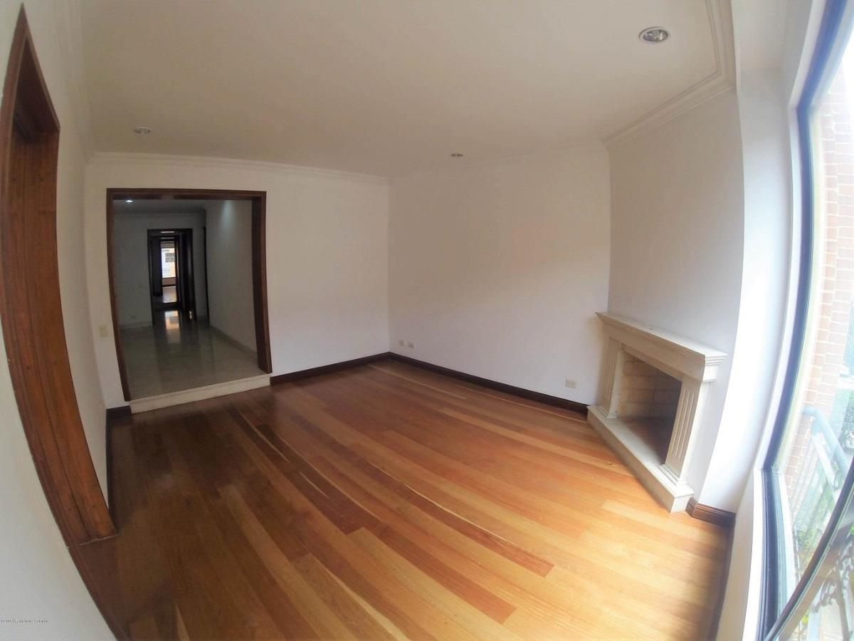 venta de apartamento en chico norte mls #20-439