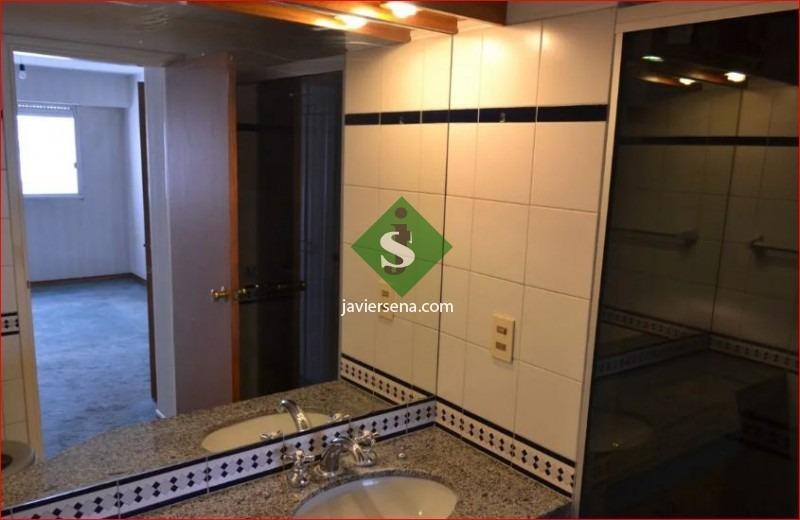 venta de apartamento en pocitos, 2 dormitorios, 2 baños, garaje, buena vista.- ref: 167805