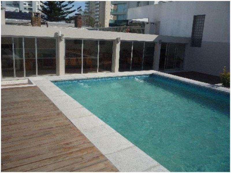 venta de apartamento monoambiente en playa mansa.