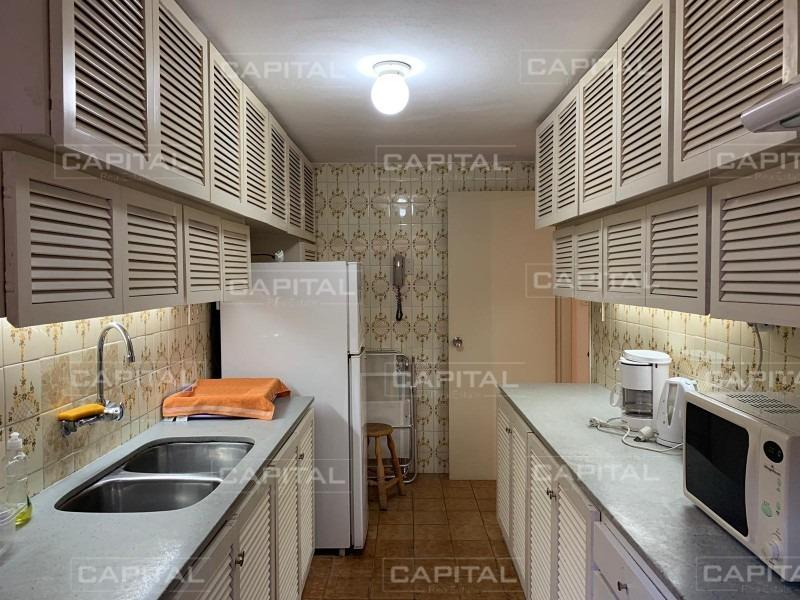venta de apartamento muy cómodo en península, punta del este-ref:28188