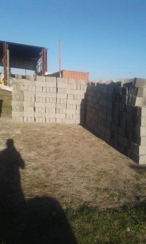 venta de bloques en punta de rieles