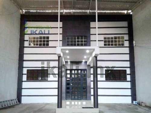 venta de bodega 1274 m² en tuxpan veracruz, se encuentra ubicada en la calle juan de la barrera # 10 de la colonia los artistas, cuenta con 1274.66 m² de terreno, son 30 m de frente por 84 m de fondo