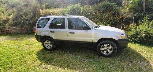venta de camioneta ford escape 2006, ocasión por viaje