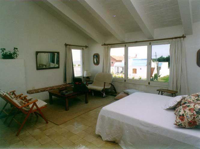 venta de casa 2 dormitorios en la barra, punta del este.