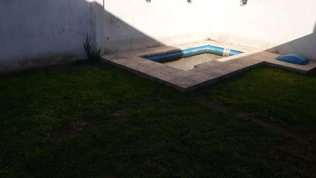 venta de casa 3 ambientes con piscina