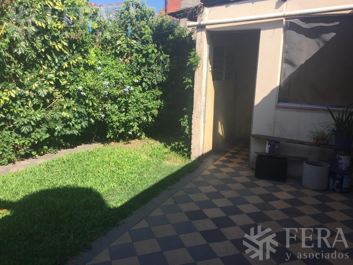 venta de casa 3 ambientes en quilmes con cochera y patio ( 25484)