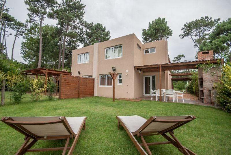 venta de casa 3 dormitorios en pinares/parque burnett