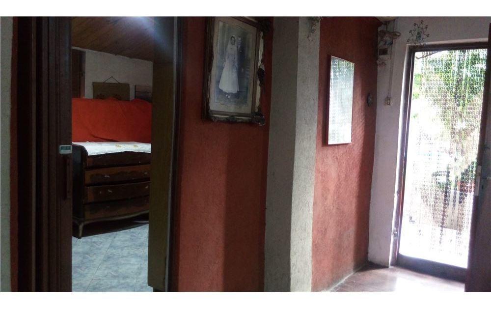 venta de casa 4 amb con local cochera y pileta