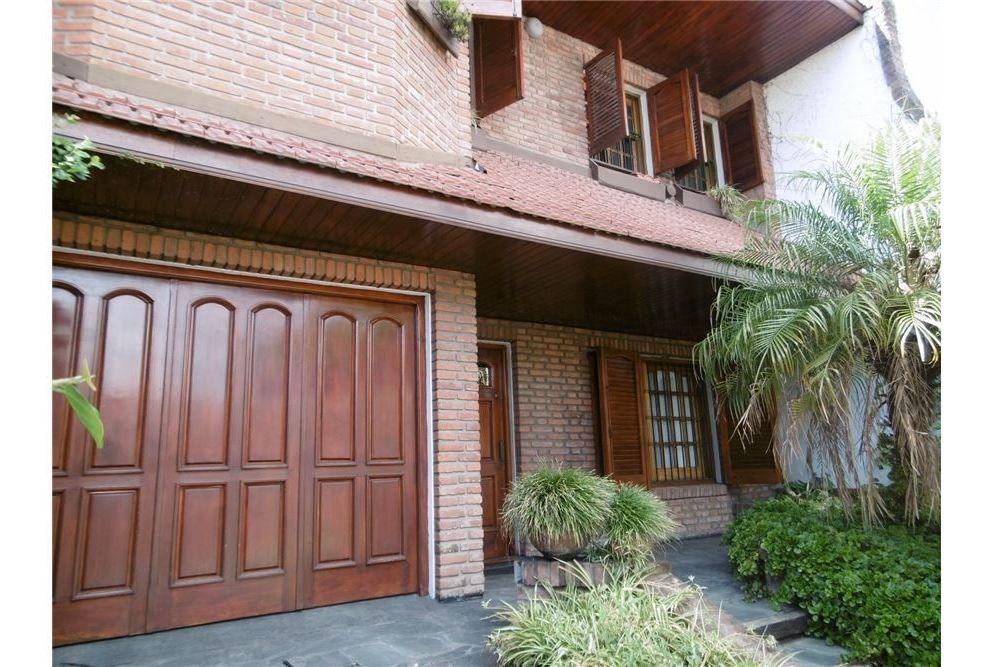 venta de casa 4 amb. parque, cochera, terraza