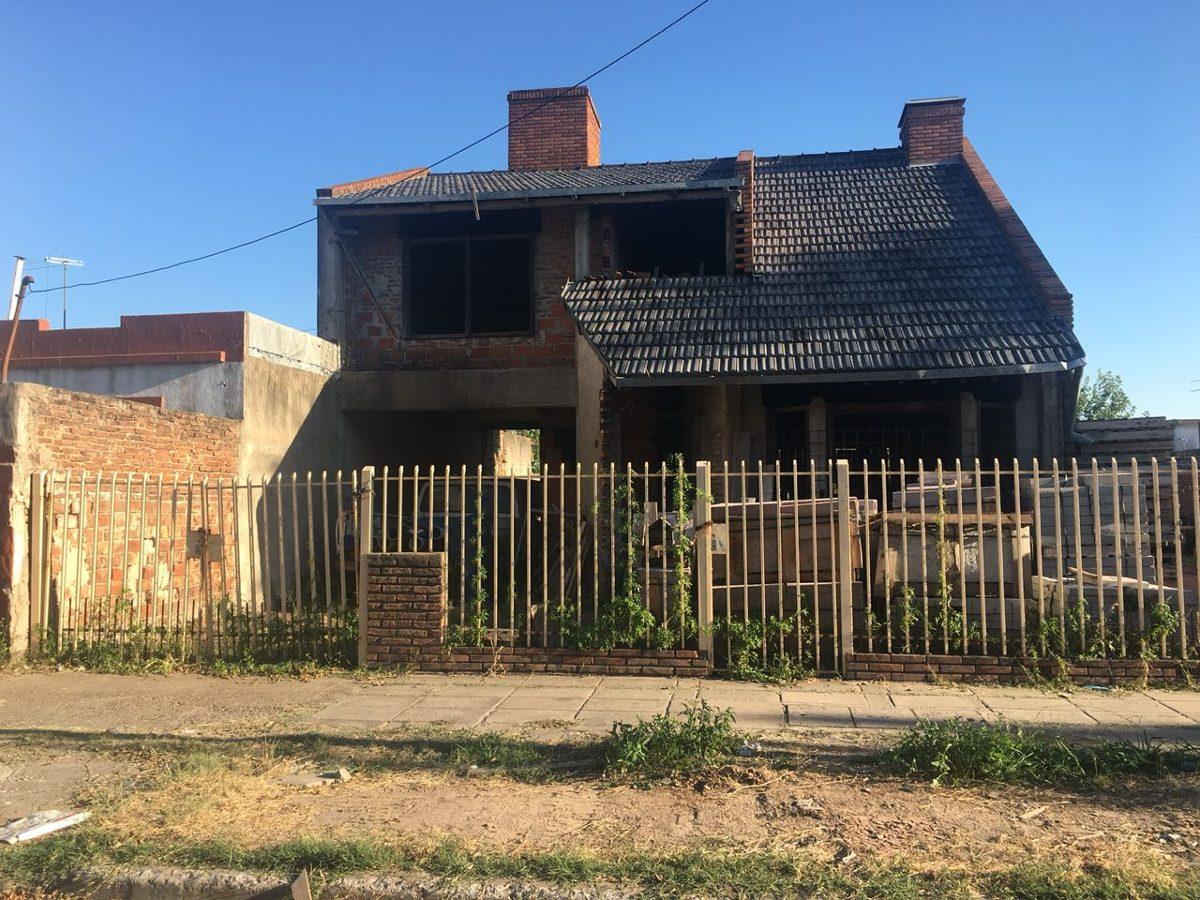 venta de casa 4 ambientes - caseros