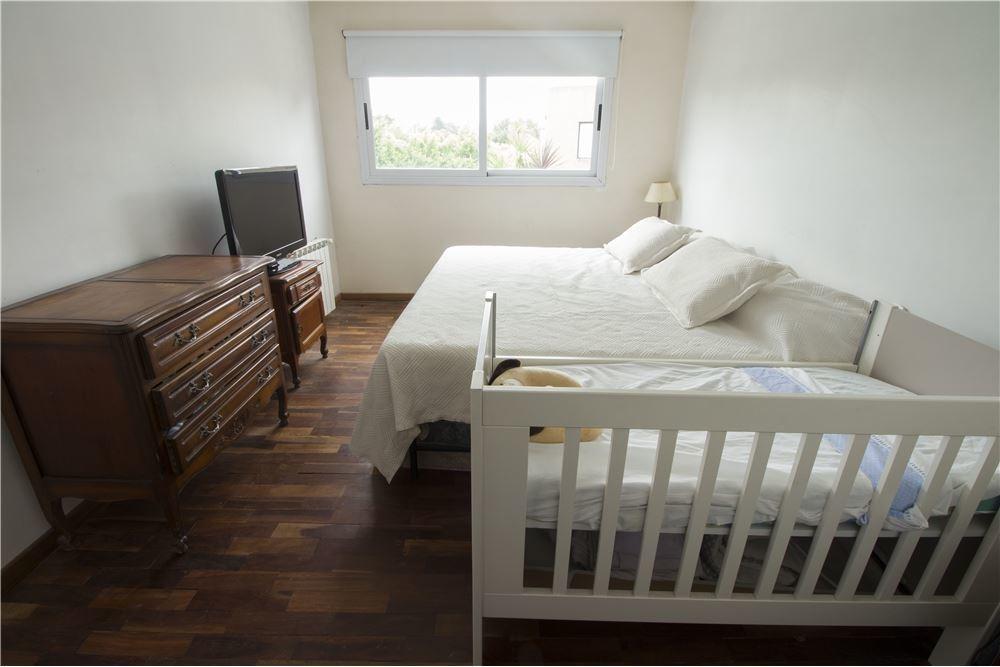 venta de casa 4 ambientes con pileta y garage
