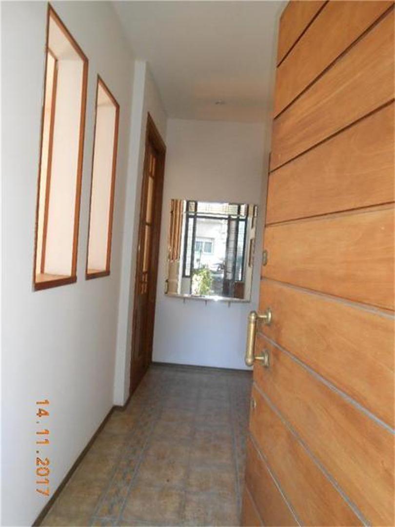 venta de casa 4 ambientes dos baños patio terraza parrilla
