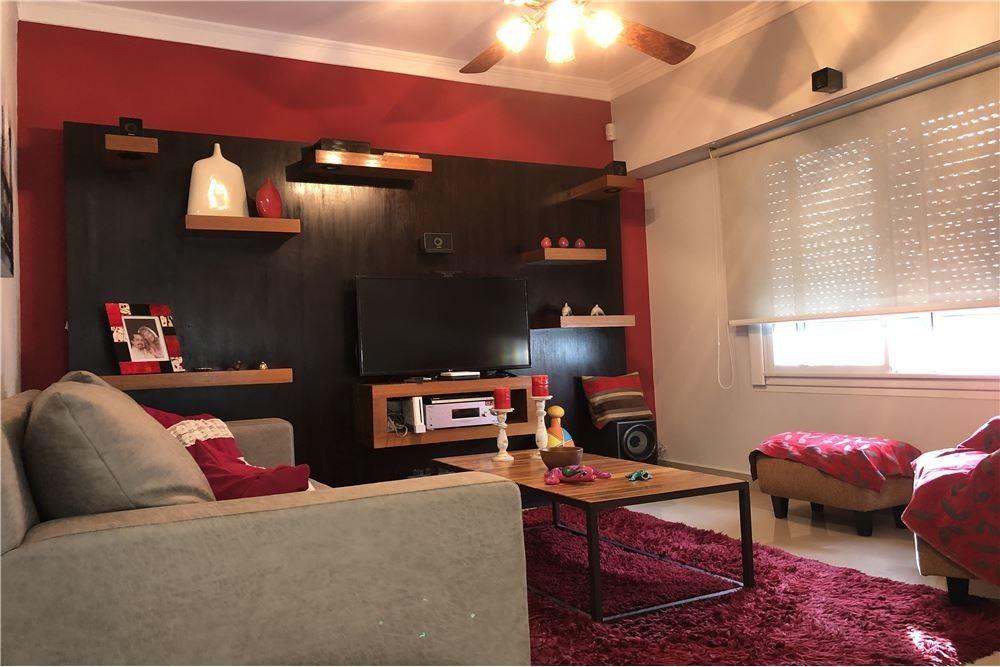 venta de casa 4 ambientes en hurlingham con pileta