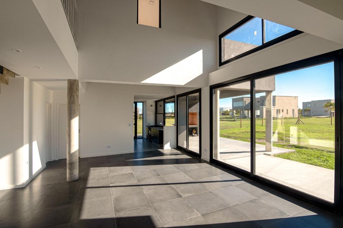 venta de casa 4 ambientes en puertos de escobar