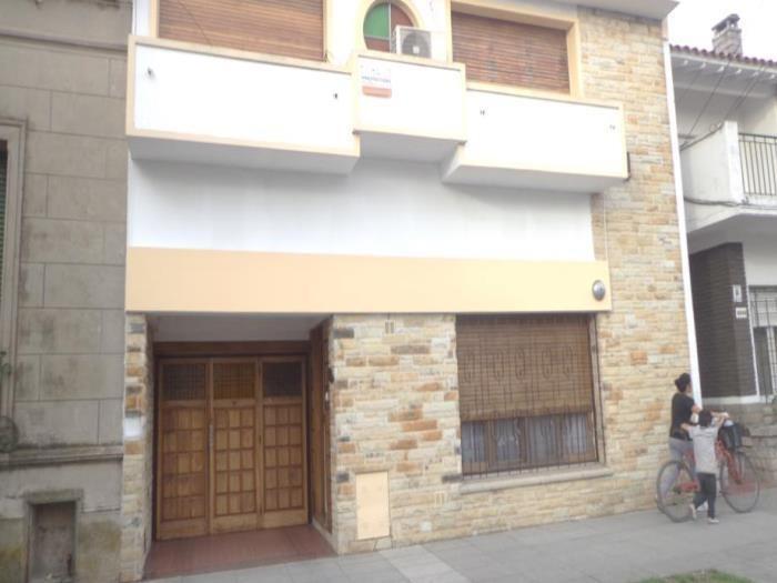 venta de casa 4 ambientes en wilde fondo libre con piscina y quincho (22438)