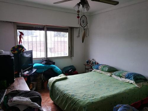 venta de casa 4 ambientes, garage para 2 autos muy buena ubicacion