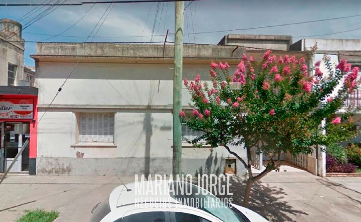 venta de casa 4 dormitorios en calle rivadavia e hiriart