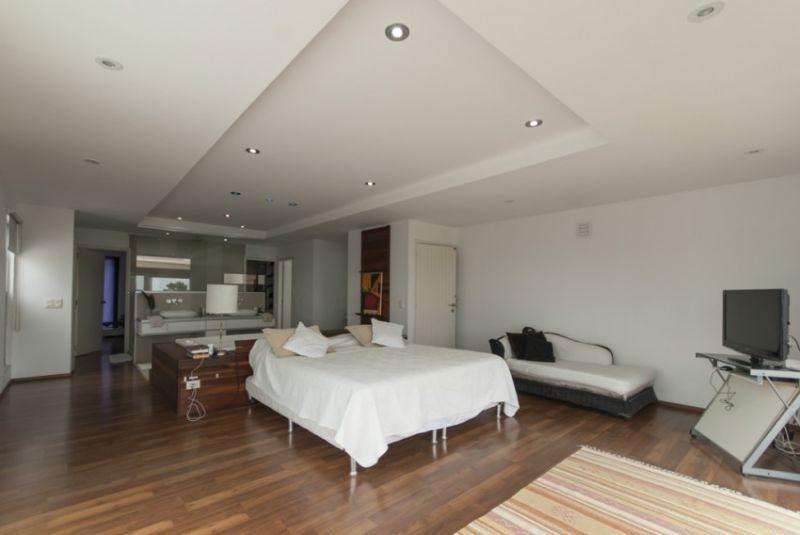venta de casa 6 dormitorios en pinares, punta del este.
