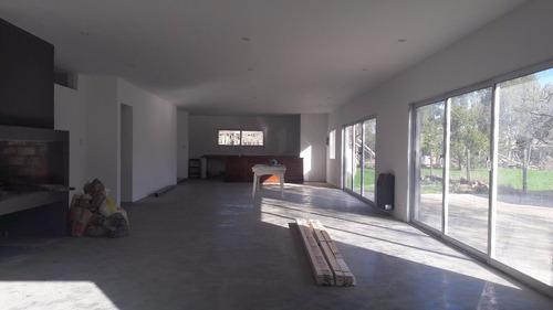¿¿venta de casa a estrenar en calle 34 y 131.(zona escuela 12). mercedes (b)