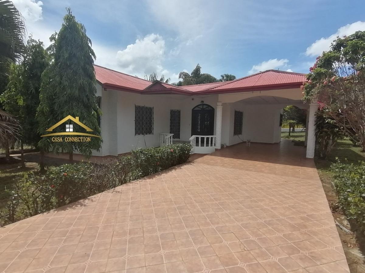venta de casa con amplio terreno en los algarrobos david