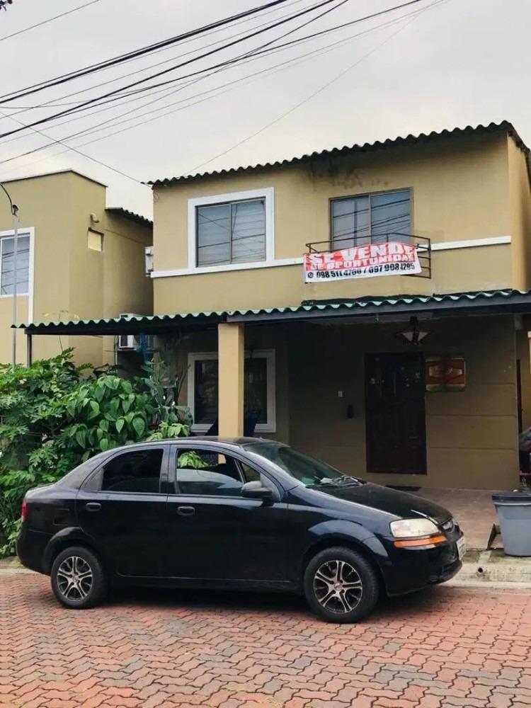venta de casa con excelentes acabados urbanización la joya