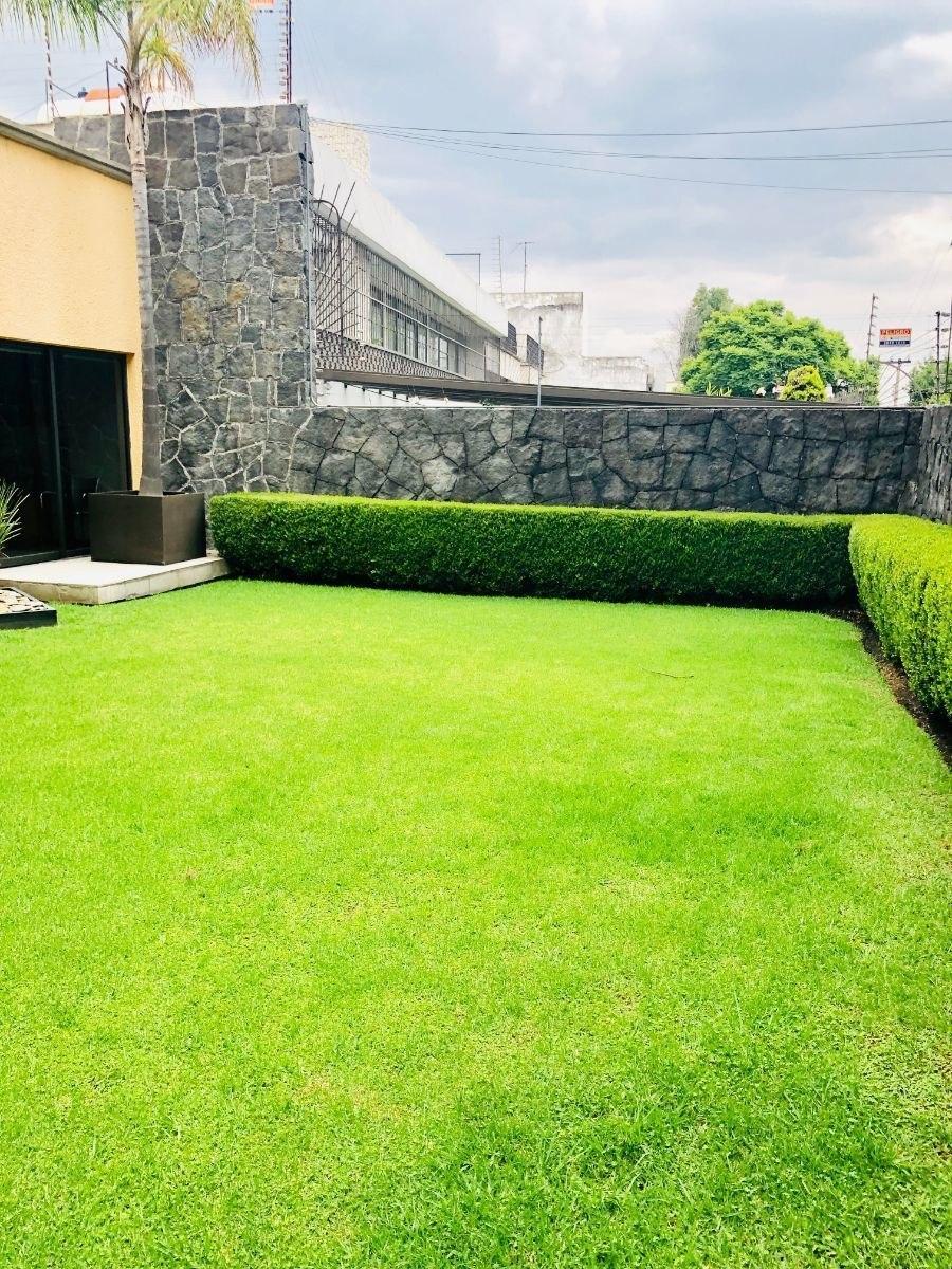 venta de casa  con  jardin y 4 recámaras