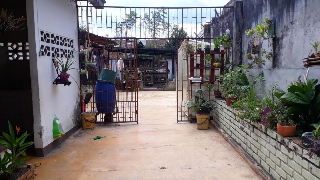 venta de casa con local en zona central y comercial