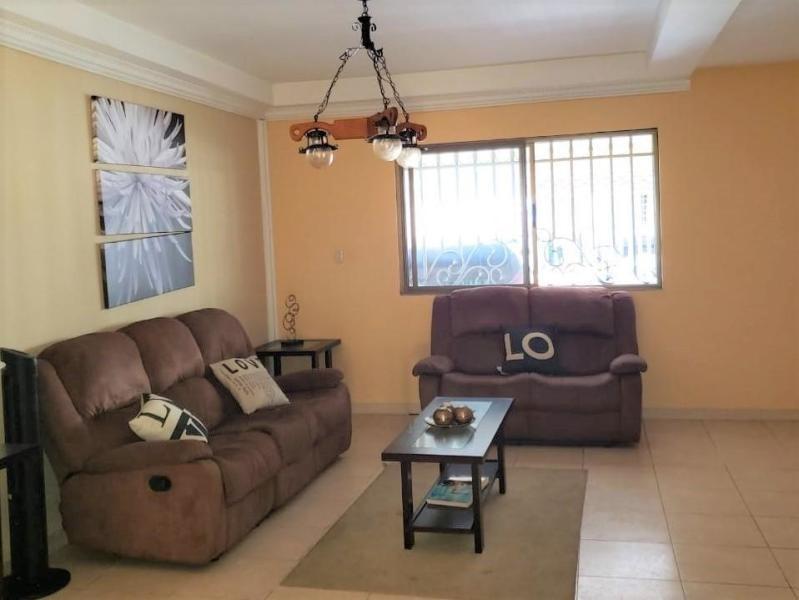 venta de casa confortable en quintas de cerro viento 20-3748